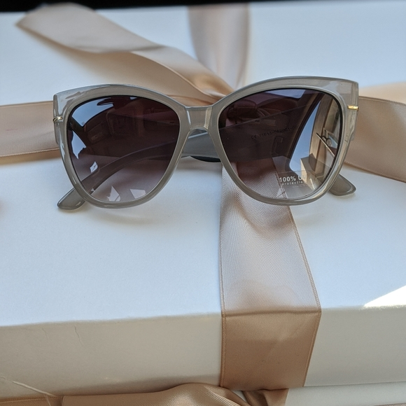 Accessories - Grey Sunglasses